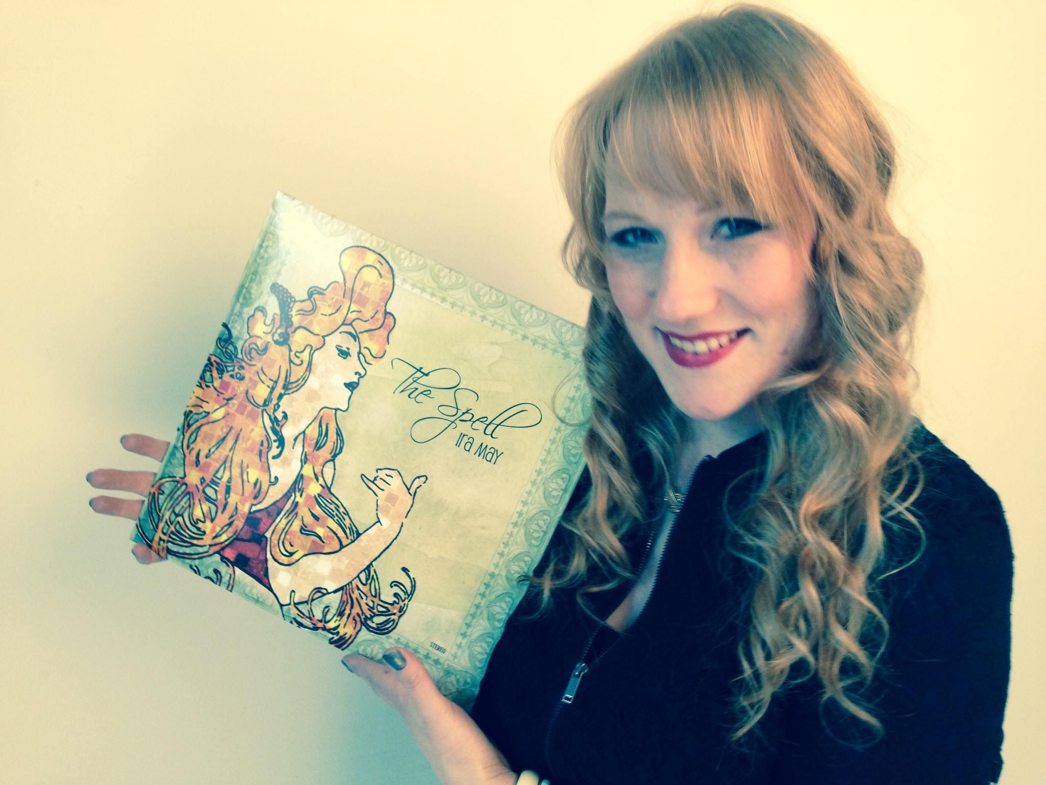 Von 0 auf 1 der Schweizer Album Charts! Ira May – The Spell